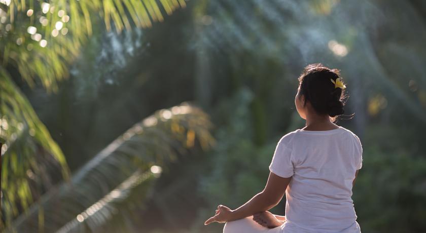 ∴∵ウブドの静寂な空間で行うフリーヨガセッションを毎日体験出来ます∴∵サンカラ リゾートへ滞在∴∵[滞在中毎朝食,専用車送迎付き]ガルーダインドネシア航空・関空発着直行便・エコノミークラス利用・4日間