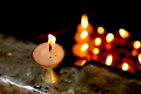 ネワールの古都をたっぷり味わうネパール6日間/ネワチェン泊♪パタン朝市&ブンガマティ村・コカナ訪問+ナガルコット泊・ヒマラヤ遊覧飛行付・日本語専用ガイド・専用送迎・食事付/延泊可