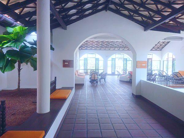 直行便利用☆バワのホテルでアーユルヴェーダ♪ヘリタンスマハゲダラ6日間♪☆☆ インド洋が目の前♪本気デトックス ふたり旅