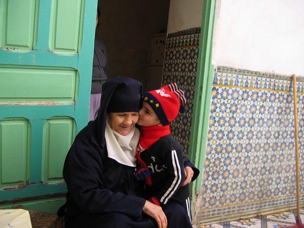 気軽に訪れるモロッコ♪美しき2つの世界遺産メディナのリヤドに泊まるフェズ & マラケシュ 7日間/電車にも乗車/フリープラン