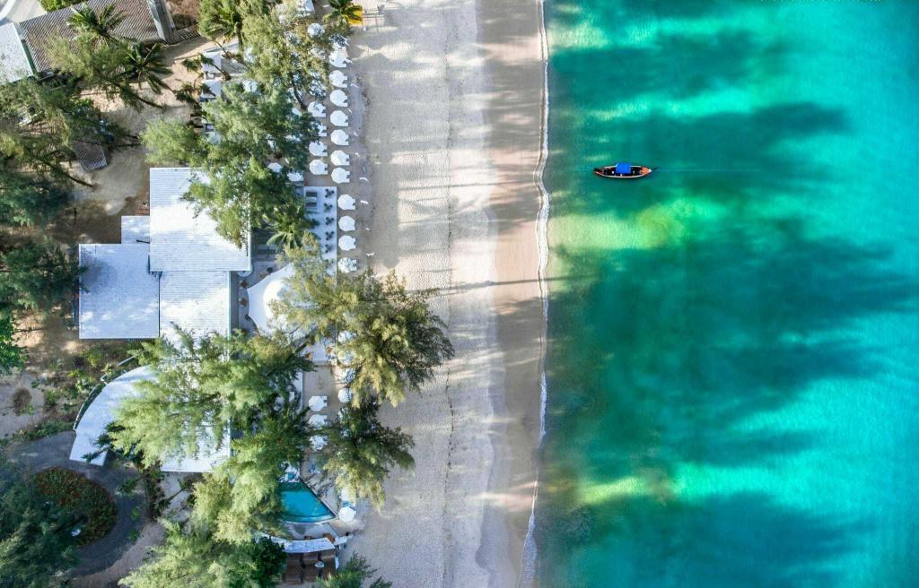 タイを見なおす旅~静かなリゾートとタウンを愉しむプーケット大人旅6日間/ツインパームス3泊+プーケットタウンのヘリテージホテル1泊・タイマッサージまたはアロママッサージ付 羽田発着