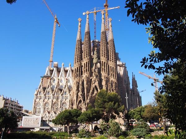 出発日限定 7月19日(水)ヨーロッパ最大のヨガイベントに終日参加 バルセロナヨガカンファレンス公式ツアー8日間/ 大人のグループツアー ヨガ リトリート