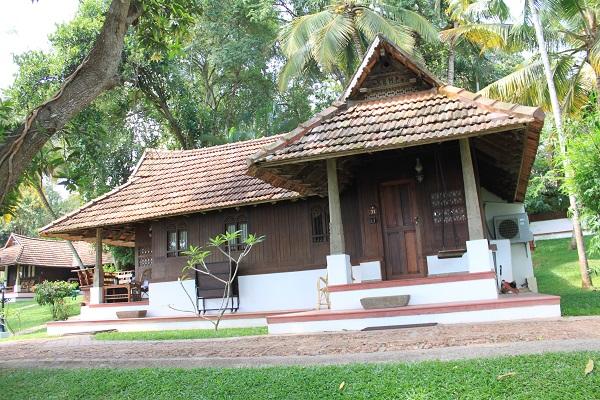 南インド ケララで過ごす南国時間 アーユルヴェーダ三昧のひとり旅~ コバラム トラバンコール・ヘリテージで過ごす/人気のSQ利用・全食事付・燃油チャージ込